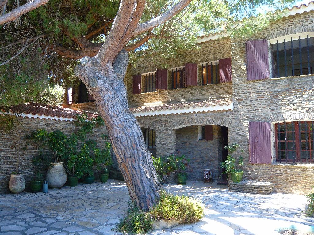Villa T8 Emplacement exceptionnel Six-Fours-les-plages