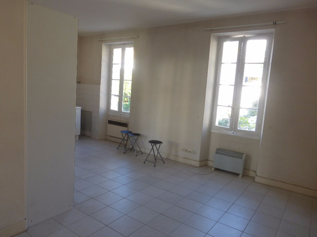 vente appartement Type 1 au calme TOULON Le Mourillon