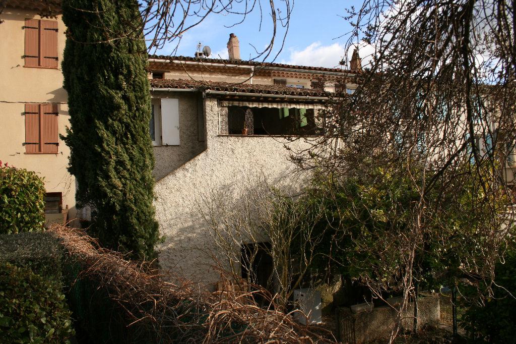 vente maison de village T5 Signes avec jardin