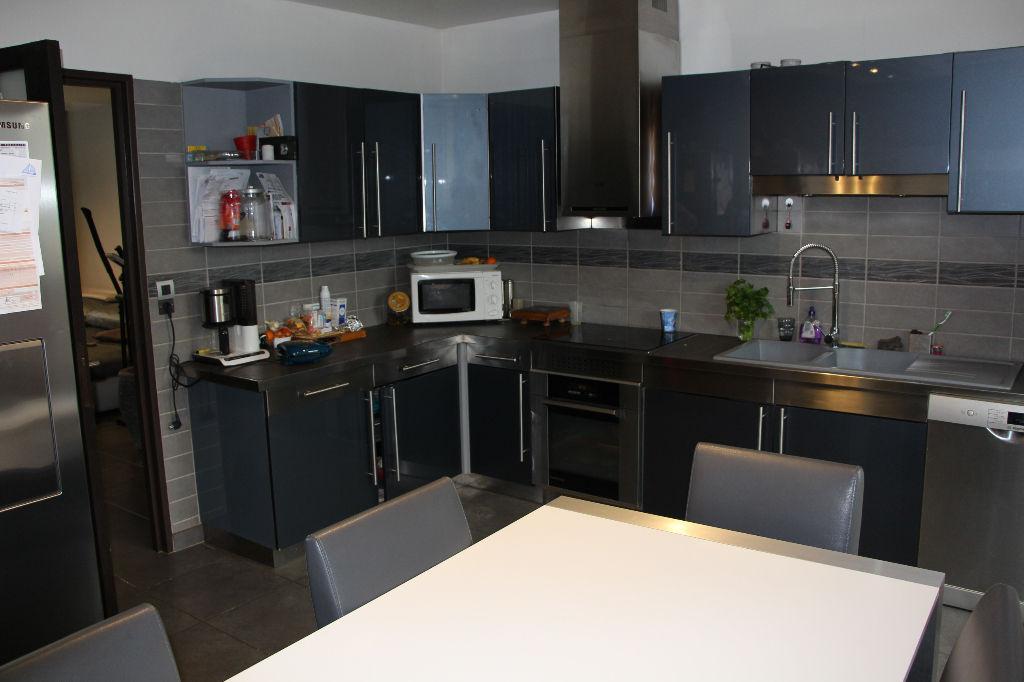 coups de coeur bel appartement t3 de 74 m r nov enti rement visite immo 3d f3 de 74 m. Black Bedroom Furniture Sets. Home Design Ideas