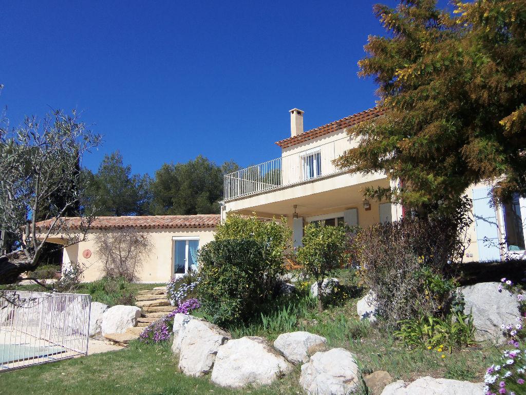 Vente villa Saint-cyr - 7 pièces de 283 m² terrain de 2000 m² et piscine