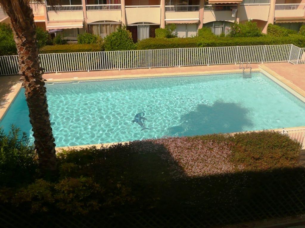 A vendre appartement T2 Sanary dans résidence avec piscine