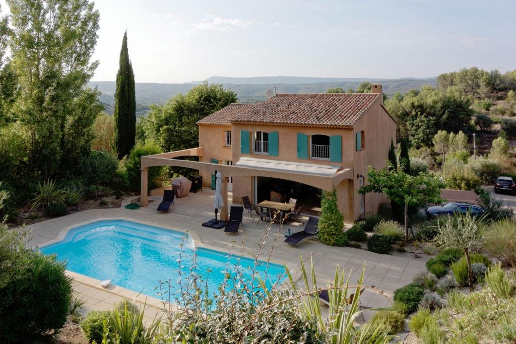 Vente d'une maison Le Castellet 235 m² sur beau terrain avec piscine