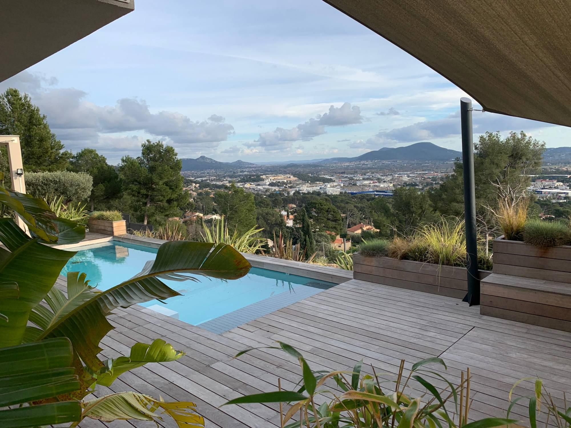 A Vendre Villa Californienne Contemporaine De 190 M Sur 1 050 M