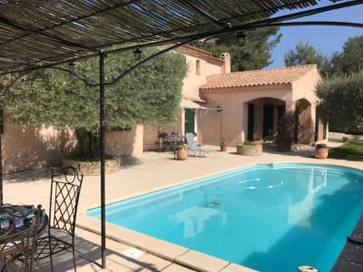 vente belle maison T6 Le Beausset sur 1847 m² de terrain avec piscine