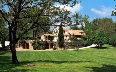 Superbe propriété à EVENOS de 300 m² Piscine et parc arboré