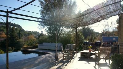 Vente maison Ollioules T4/5 de 140 m² - Secteur recherché - 2000 m² de terrain