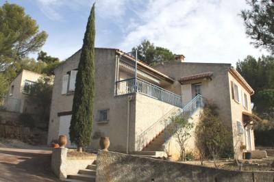 Vente maison T7 Bandol avec jardin terrasse et vue dégagée