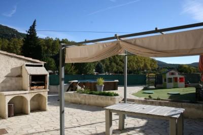Appartement Duplex T4 SIGNES 83870 Var - Spacieux ensoleillé avec jardin et piscine