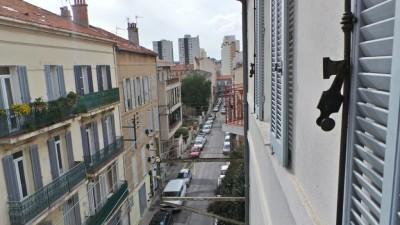 Bel appartement rénové T3 Toulon Champs de Mars - Dans une jolie copropriété -