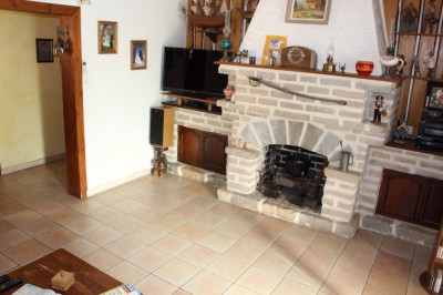 vente villa en 2 appartements Ollioules proche commodités