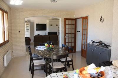 Vente villa T5 Ollioules maison ensoleillée avec piscine