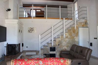 Villa ensoleillée à Ollioules T5 de 120 m² - Terrain plat - Piscine - Pas de vis-à-vis