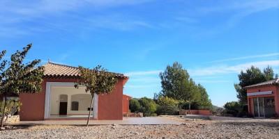 Vente villa récente 7 pièces Le Beausset - Piscine et terrain clos