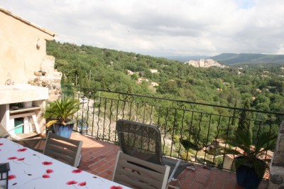A vendre superbe maison de village à EVENOS de 137 m² avec terrasse